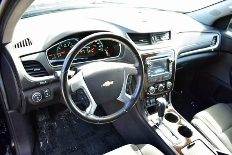 2016 Chevrolet Traverse LT (image 28)