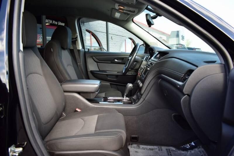 2016 Chevrolet Traverse LT (image 44)