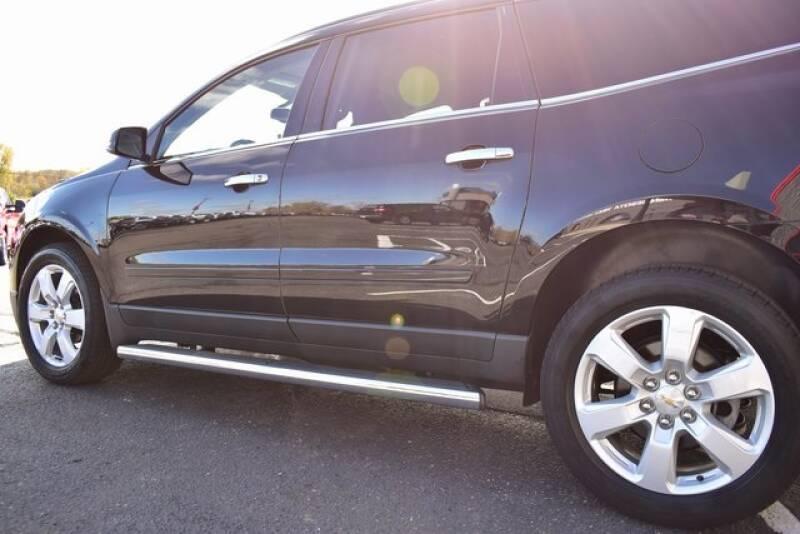 2016 Chevrolet Traverse LT (image 19)
