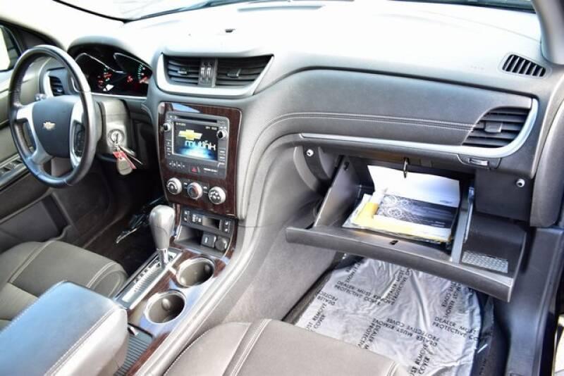 2016 Chevrolet Traverse LT (image 45)