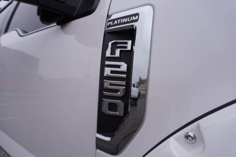 2018 Ford F-250 Super Duty (image 9)