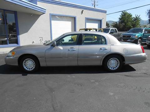 2000 Lincoln Town Car for sale at Oak Street Auto Brokers in Pocatello ID