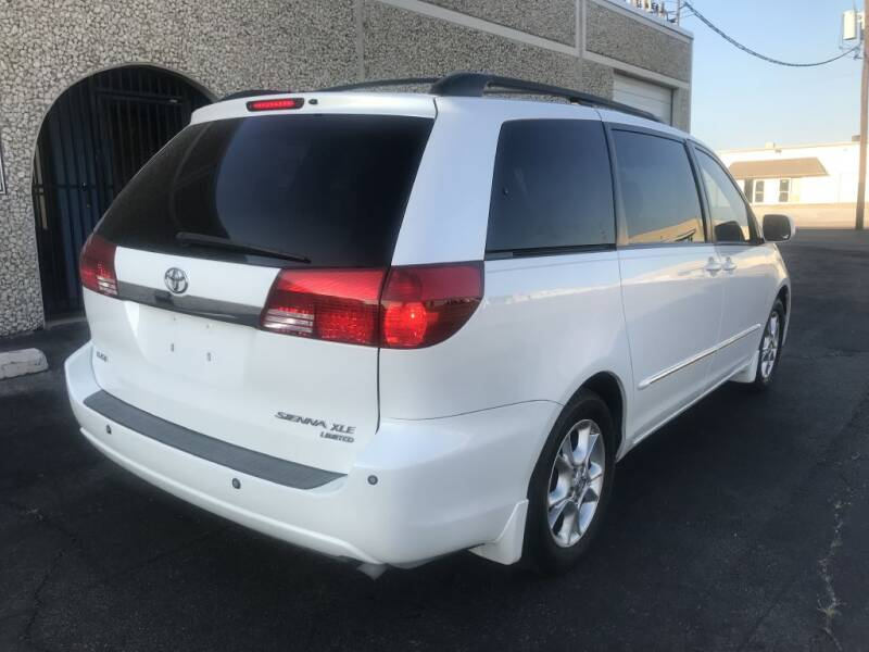 2005 Toyota Sienna XLE Limited 7-Passenger 4dr Mini-Van - Dallas TX