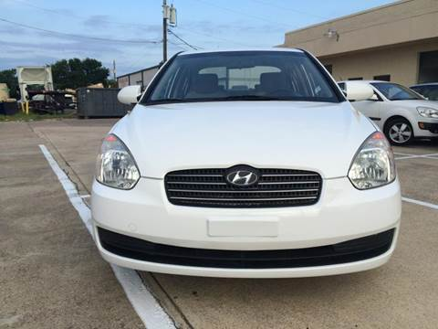 2009 Hyundai Accent for sale at Evolution Motors LLC in Dallas TX