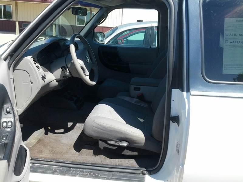 2001 Mazda B-Series Pickup 2dr Cab Plus B3000 SE 4WD SB - Kerkhoven MN