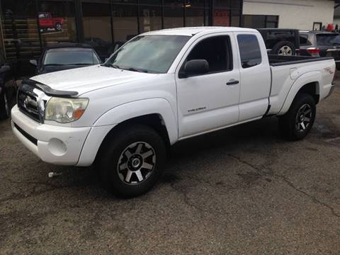 2006 Toyota Tacoma for sale at Exotic Motors in Redmond WA