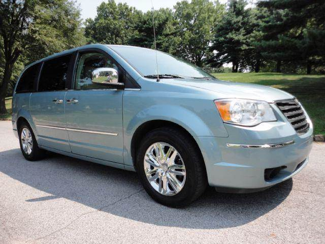2008 chrysler town and country limited navi back up camera in rh rt130motors com Used 2008 Town and Country Used 2008 Town and Country