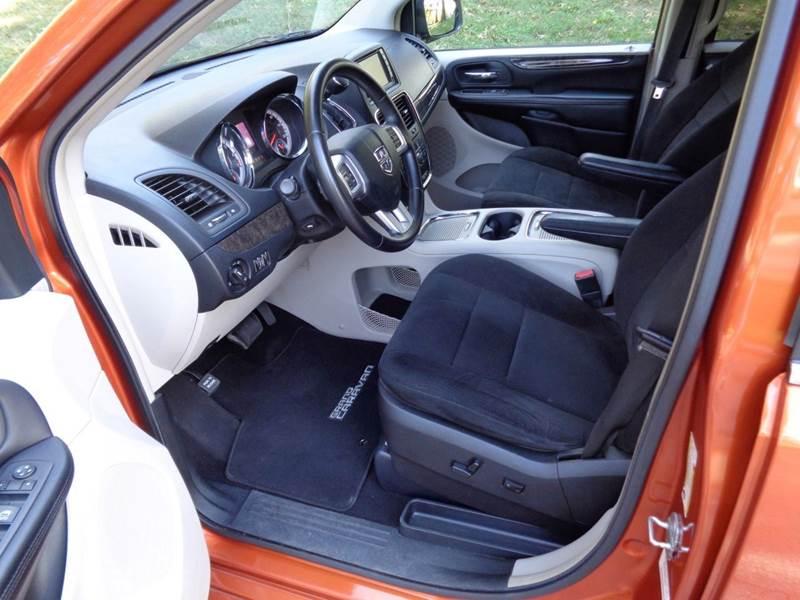 2011 Dodge Grand Caravan Crew 4dr Mini Van In Burlington