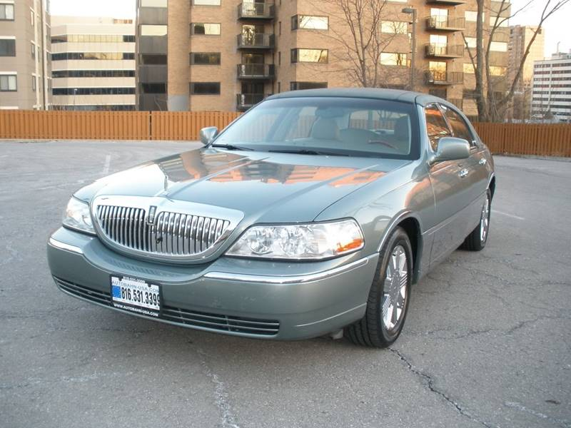 2004 Lincoln Town Car Ultimate In Kansas City MO - Autobahn Motors USA
