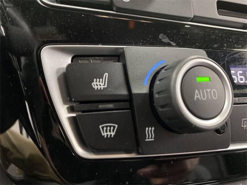 2017 BMW M3 (image 12)