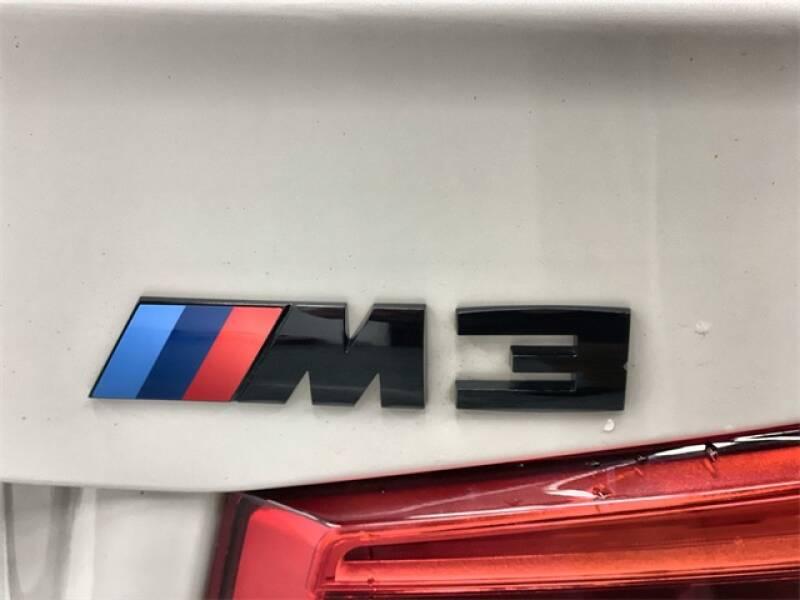 2017 BMW M3 (image 30)
