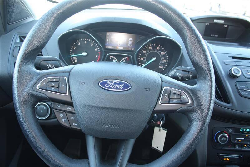 2018 Ford Escape SE (image 17)