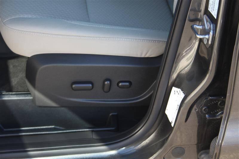 2017 Ford Escape SE (image 8)