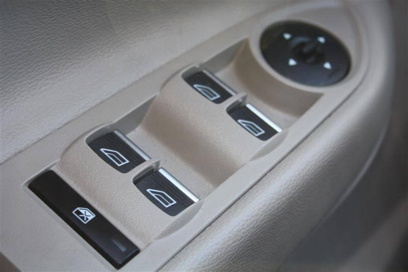 2017 Ford Escape SE (image 21)