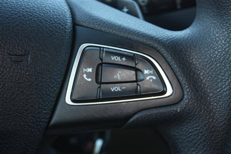 2017 Ford Escape SE (image 19)