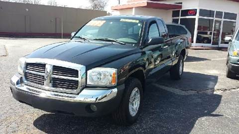 2005 Dodge Dakota for sale at Global Auto Sales in Hazel Park MI