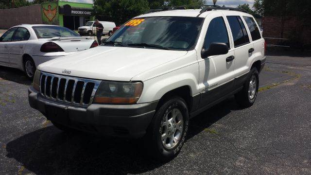 1999 Jeep Grand Cherokee for sale at Global Auto Sales in Hazel Park MI