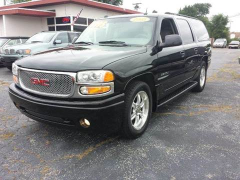 2005 GMC Yukon XL for sale at Global Auto Sales in Hazel Park MI