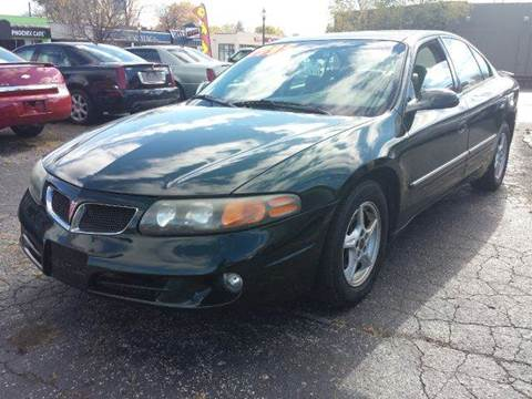 2002 Pontiac Bonneville for sale at Global Auto Sales in Hazel Park MI