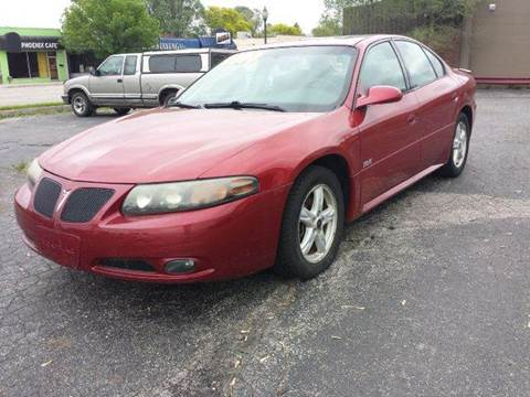 2005 Pontiac Bonneville for sale at Global Auto Sales in Hazel Park MI