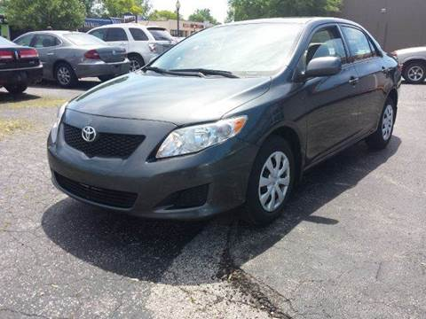2009 Toyota Corolla for sale at Global Auto Sales in Hazel Park MI