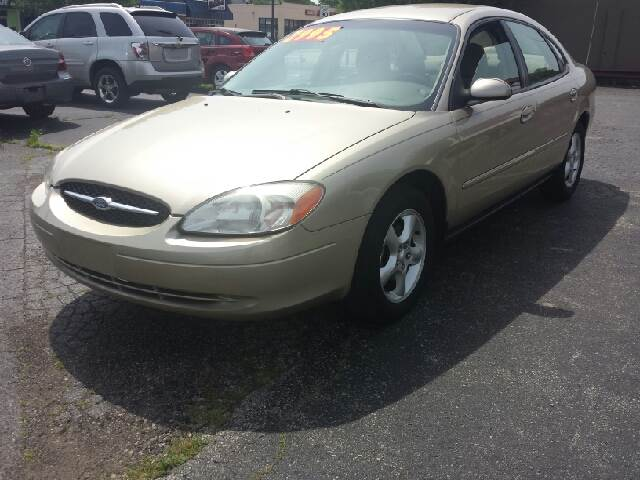 2001 Ford Taurus for sale at Global Auto Sales in Hazel Park MI