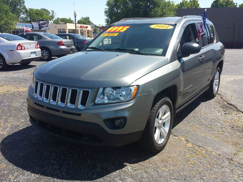 2011 Jeep Compass for sale at Global Auto Sales in Hazel Park MI