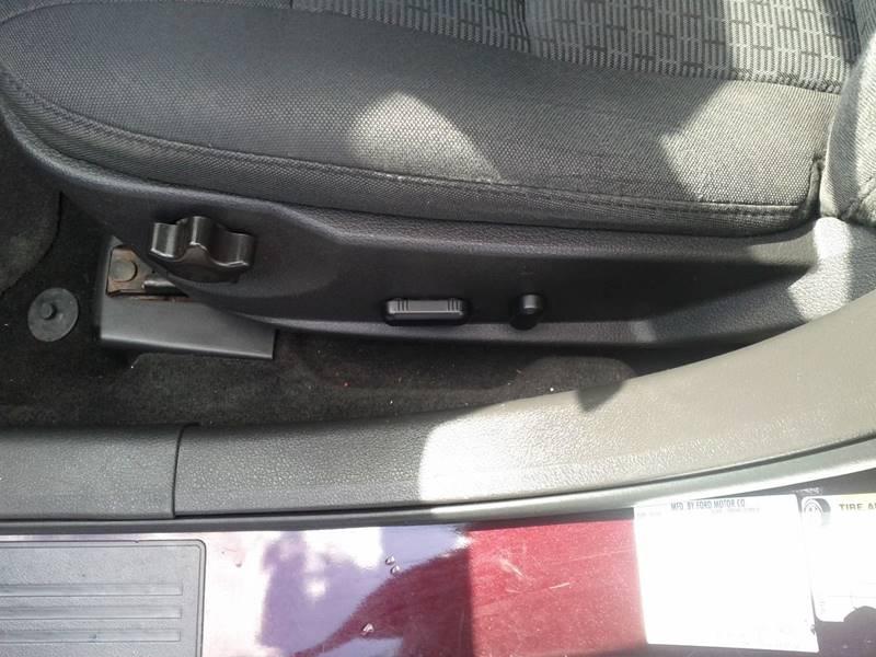 2011 Ford Fusion SE 4dr Sedan - Hazel Park MI
