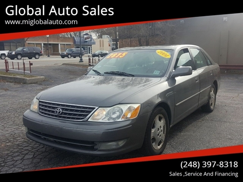 2004 Toyota Avalon for sale at Global Auto Sales in Hazel Park MI
