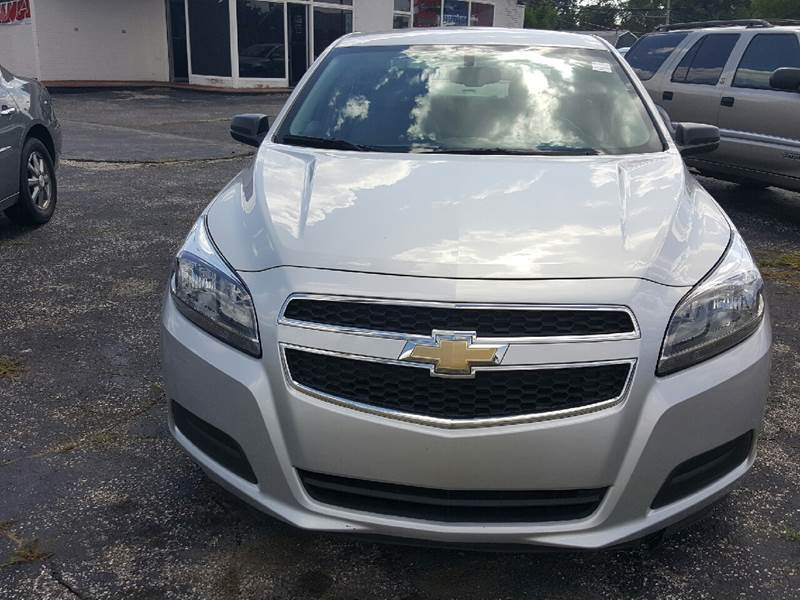2013 Chevrolet Malibu for sale at Global Auto Sales in Hazel Park MI