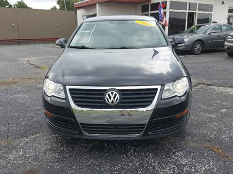 2008 Volkswagen Passat for sale at Global Auto Sales in Hazel Park MI