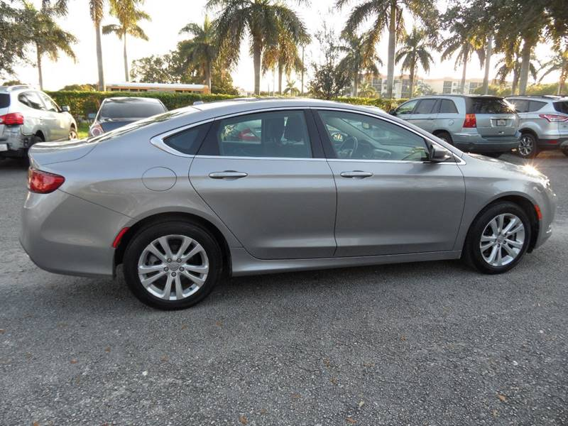 2015 Chrysler 200 Limited 4dr Sedan - Hollywood FL