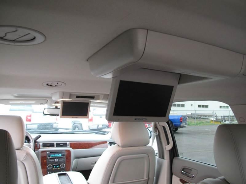 2013 Chevrolet Suburban 4x4 LT 1500 4dr SUV - Saint Cloud MN