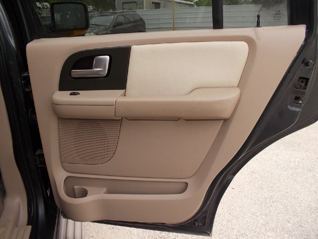 2004 Ford Expedition for sale at Chimax Auto Sales in San Antonio TX