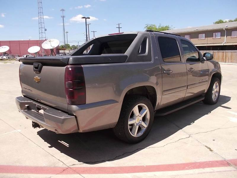 2007 Chevrolet Avalanche for sale at Chimax Auto Sales in San Antonio TX