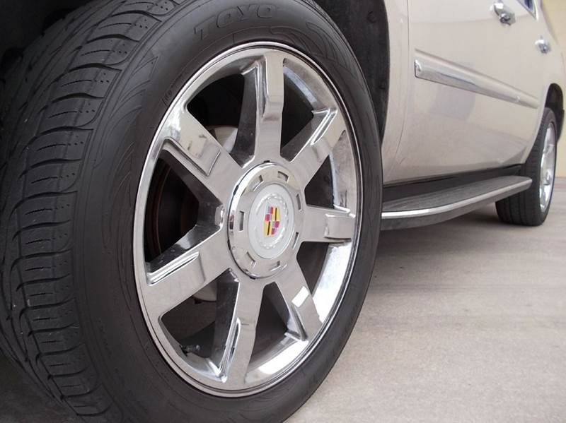 2007 Cadillac Escalade for sale at Chimax Auto Sales in San Antonio TX