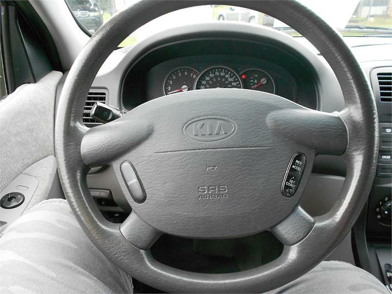 2005 Kia Sedona for sale at Good Guys Cars in Statesville NC