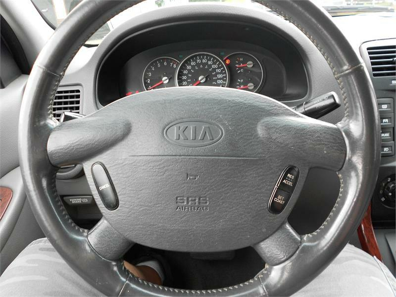 2002 Kia Sedona for sale at Good Guys Cars in Statesville NC