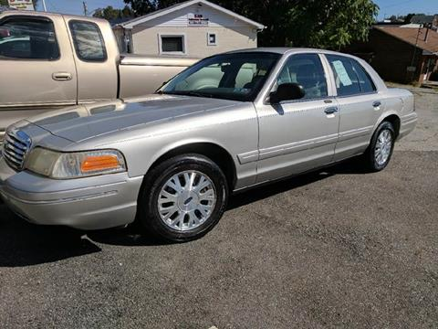 2003 Ford Crown Victoria for sale in Weirton, WV