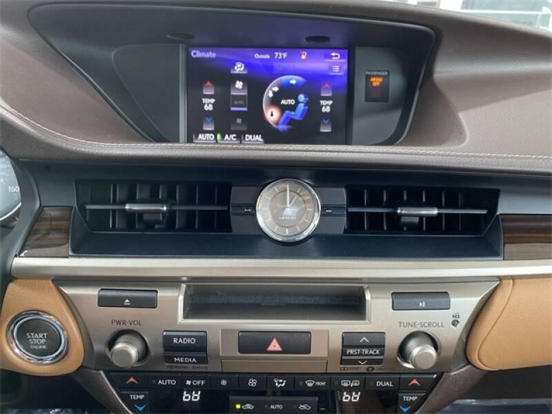 2017 Lexus ES 350 4dr Sedan - Roswell GA
