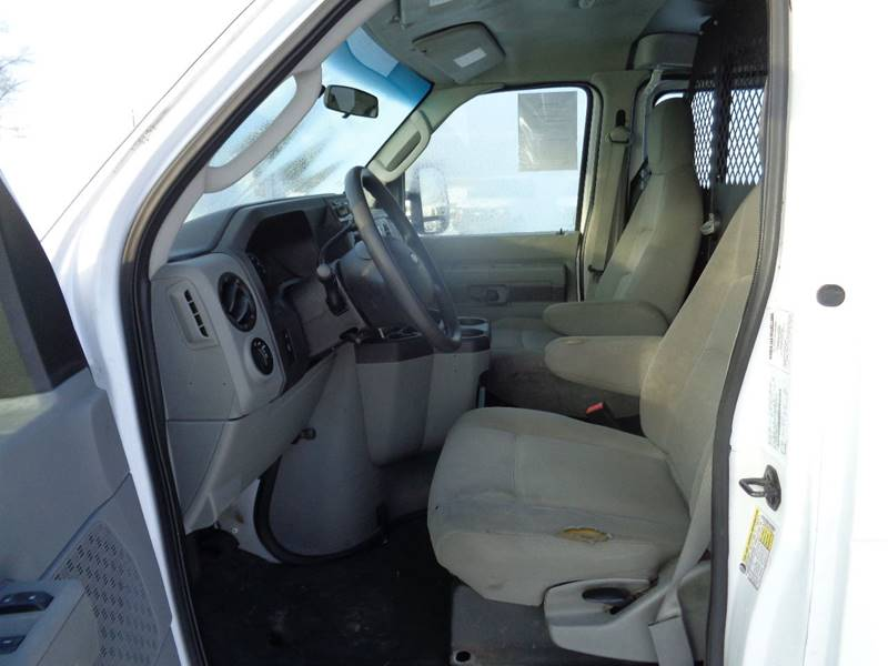 2009 Ford E-Series Cargo E-250 (image 3)