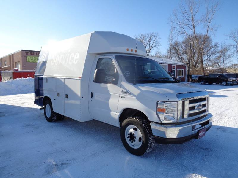 2014 Ford E-Series Chassis E-350 SD (image 2)