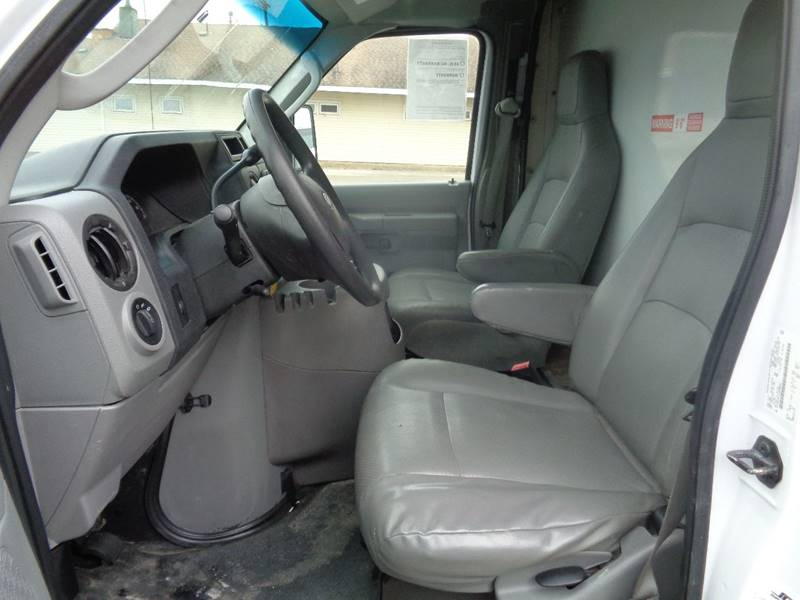2012 Ford E-Series Chassis E-350 SD (image 4)