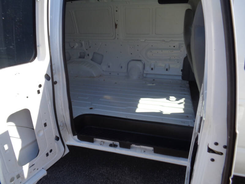 2012 Ford E-Series Cargo E-150 3dr Extended Cargo Van - Savage MN