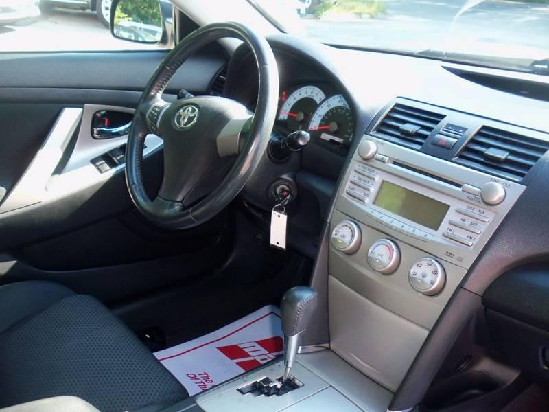 2011 Toyota Camry SE 4dr Sedan 6A - Pelham NH