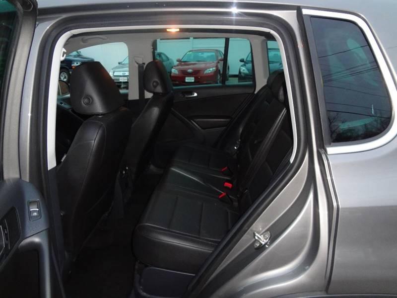 2011 Volkswagen Tiguan SEL 4Motion 4dr SUV w/ Premium Navigation and Dynaudio - Pelham NH
