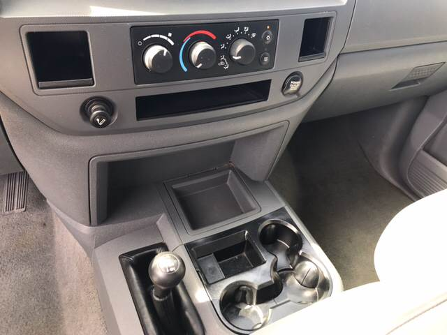 2006 Dodge Ram Pickup 2500 SLT 4dr Quad Cab 4WD SB - Springfield IL
