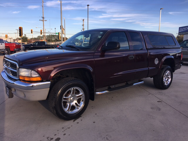 2004 Dodge Dakota SLT Plus 2dr Club Cab 4WD SB - Springfield IL