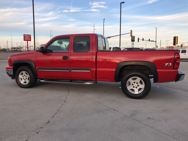 2006 Chevrolet Silverado 1500 LS 4dr Extended Cab 4WD 6.5 ft. SB - Springfield IL