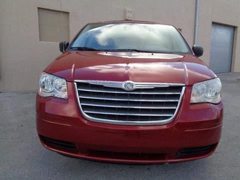 2010 Chrysler Town and Country for sale in Miami, FL